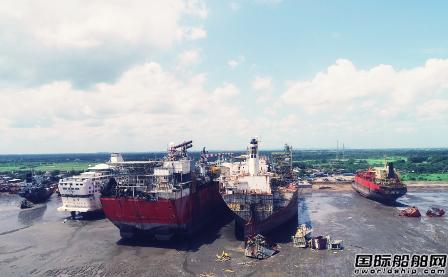 印度阿朗港拆船厂再出事故2名工人死亡