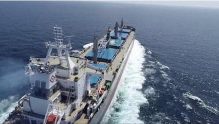 象屿海装首制New Dolphin 63500散货船试航凯旋