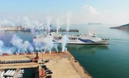 """""""东方明珠8号""""客货滚装船首次试运"""