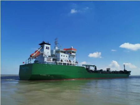 中航鼎衡17500吨化学品3#船顺利试航归来