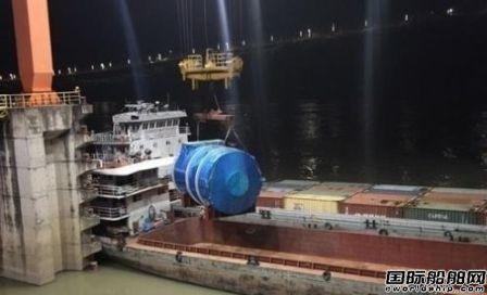 江源化机与三菱造船合作交付两台脱硫塔