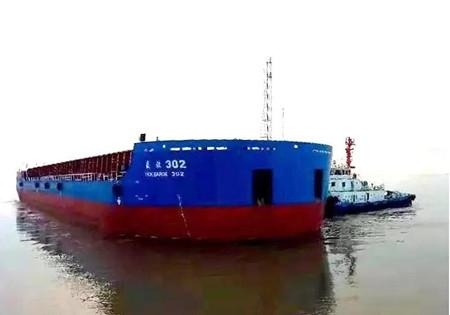 上海中远海运重工交付12000吨顶推组合体驳船项目首批船舶