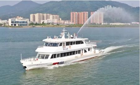 江龙船艇40米级多功能水上综合执法艇开展试航