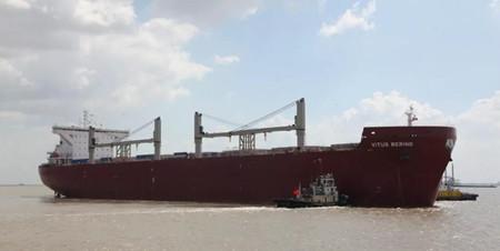 上海船厂交付第二艘10.8万吨冰区加强型散货船