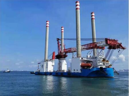 武汉船机建造国内首座1200吨自航自升式风电安装平台完工