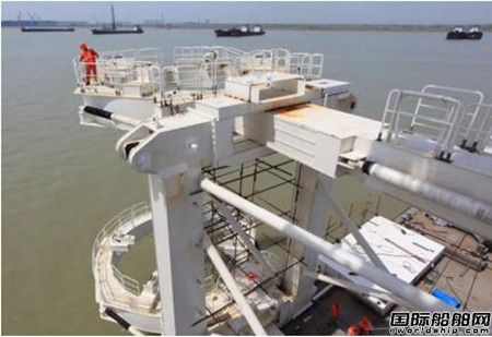 振华南通传动公司抱桩器获南通市首台套关键设备认定