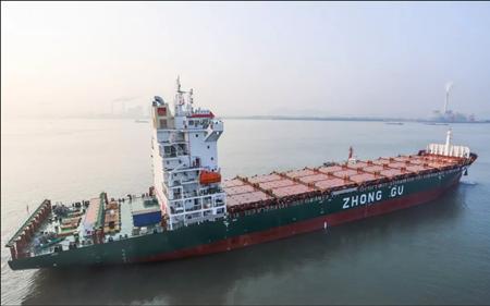 金陵船厂为中谷物流建造第4艘1900箱集装箱船试航