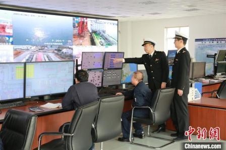 大连自贸片区推保税船供油两项监管新模式