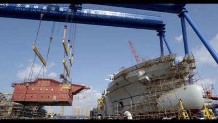 大连中远海运重工18000方耙吸式挖泥船主船体成型