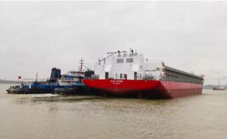 武船建造新13000吨甲板运输船4号船顺利离厂