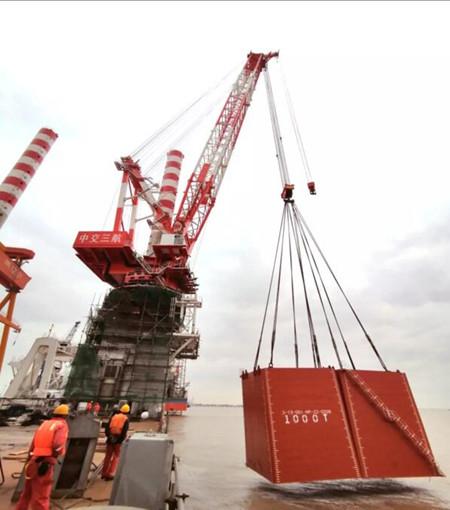 """振华重工""""三航风和""""自升式风电安装船完成站桩吊重试验"""