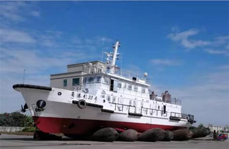 七一一所助力宁波港引航艇顺利下水