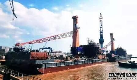 华润大东命名交付韦立集团两艘75M浮吊船