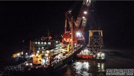 海油工程渤中19-6项目导管架顺利吊装下水
