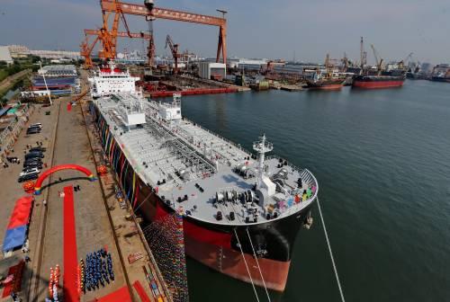 """英媒关注中国""""南北船""""合并"""