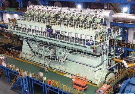中船三井制造最大集装箱船主机首批分段运往船厂