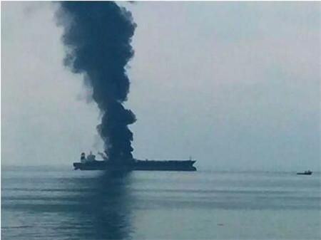 一艘VLCC阿联酋海域起火2死8伤3失踪