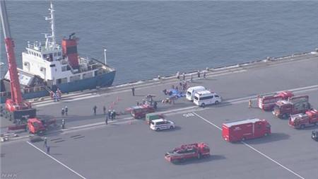 日本一艘货船倾斜混凝土板砸下致一死一伤