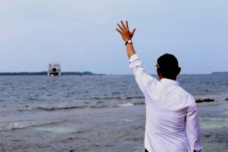"""""""世界梦""""号船员被""""流放""""无人岛隔离?"""