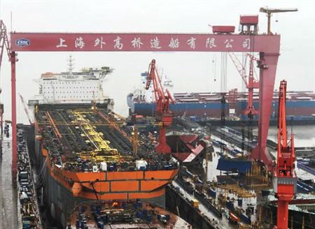 外高桥造船一艘FPSO顺利出坞