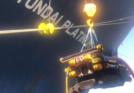 现代商船采用水下机器人进行水下船体清洁