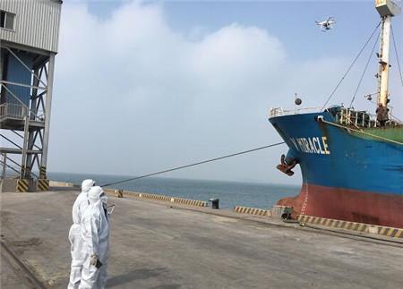 大连海关首次使用无人机开展船舶适载鉴定