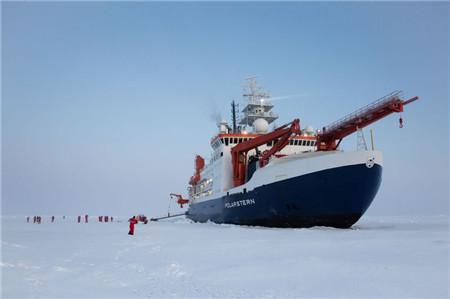 北极科考船一名成员检测出新冠病毒