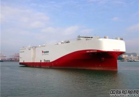 国鸿高压供气匹配再液化系统顺利随船交付