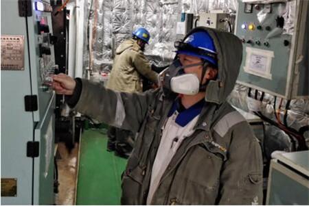 大连中远海运重工一艘62000吨多用途纸浆船完成重要节点