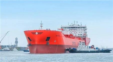 沪东中华建造世界最大双相不锈钢化学品船试航凯旋