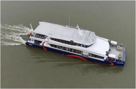 英辉南方一艘296客位全铝合金高速客轮顺利试航