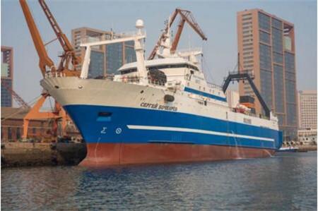 大船集团渔轮公司为俄罗斯船东修理拖网加工船完工