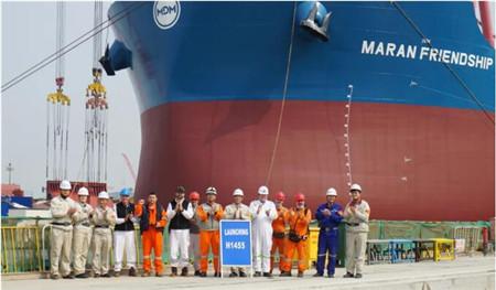 外高桥造船又一艘21万吨散货船出坞