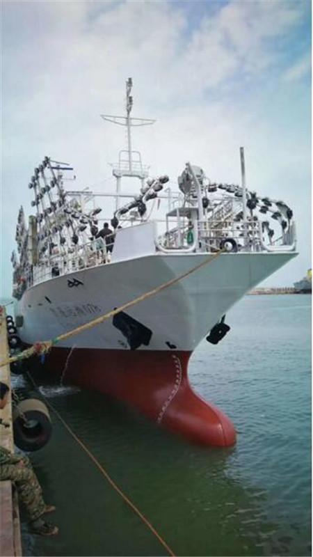 京鲁船业同日完成两个生产大节点