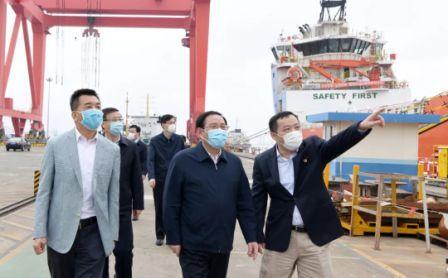 上海市委书记李强实地调研临港外高桥海工