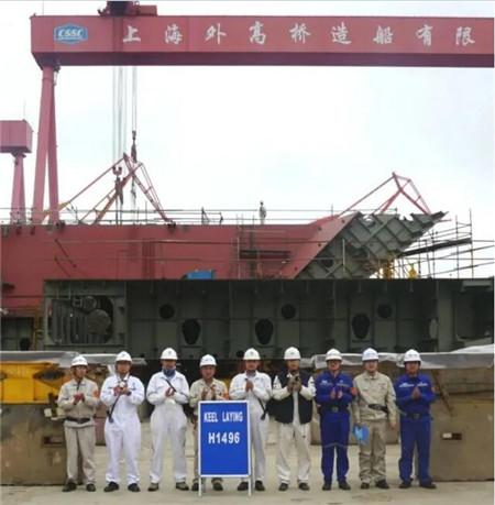 外高桥造船18万吨好望角型散货船H1496船下坞