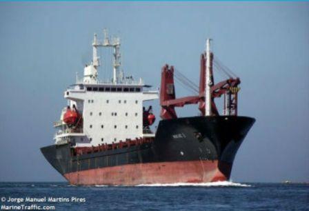 两名船员在赤道几内亚附近的货船上遭海盗绑架