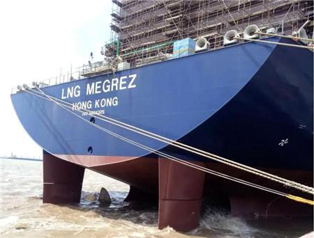 沪东中华YAMAL LNG项目4号船按期完成主机动车