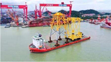 广船国际承建国内最大风电导管架顺利过驳交运