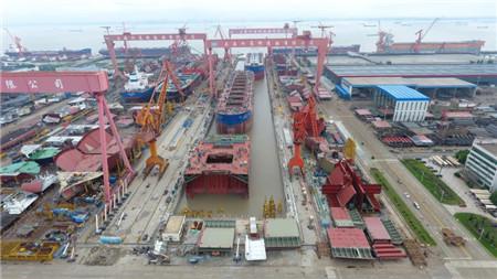 外高桥造船改造亚洲第一长船坞竣工预验收