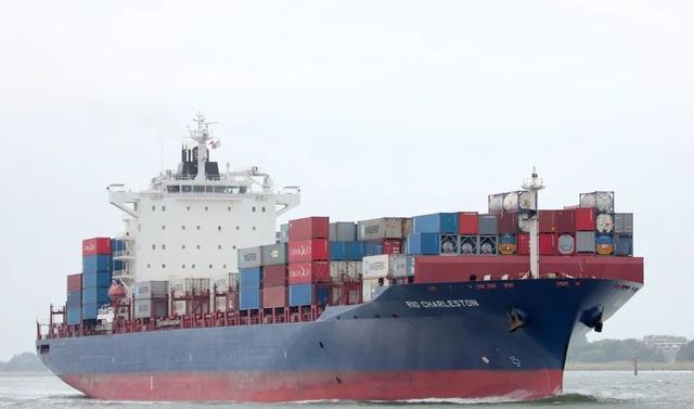 马士基一艘集装箱船尼日利亚遭海盗袭击
