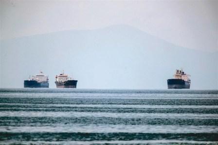 真的吗?上千名中国船员依然滞留海外邮轮