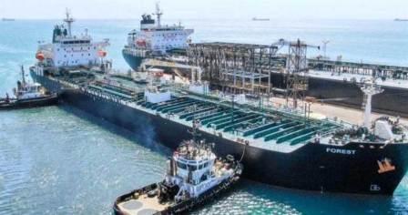 16艘油轮漂在海上!美国加大对委内瑞拉制裁