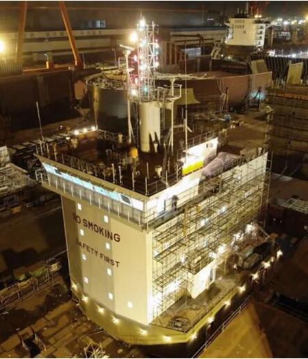 黄船海工H5618上建吊装完整性创海工历史纪录