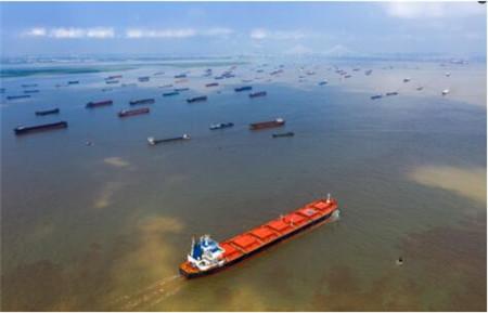 集运市场:运费上涨掩盖了航线差异