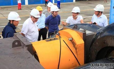 振华南通传动完成2500吨风电安装平台主吊钩钩头重载拉力试验