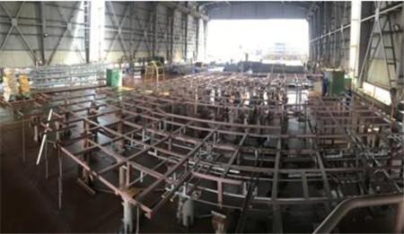 招商工业海门基地完成CMHI-221-1机舱单元首次吊装转运工程