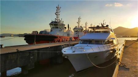 显利造船交付一艘88英尺游艇
