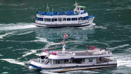 两艘船揭秘美国和加拿大抗疫为啥一天一地