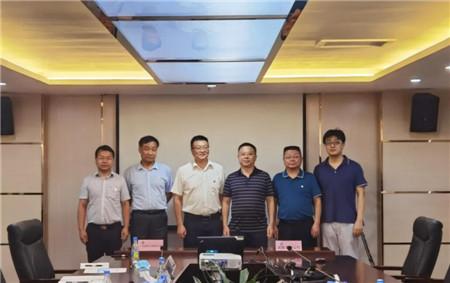 武船集团重装公司与中海油签订LNG加注趸船合作框架协议